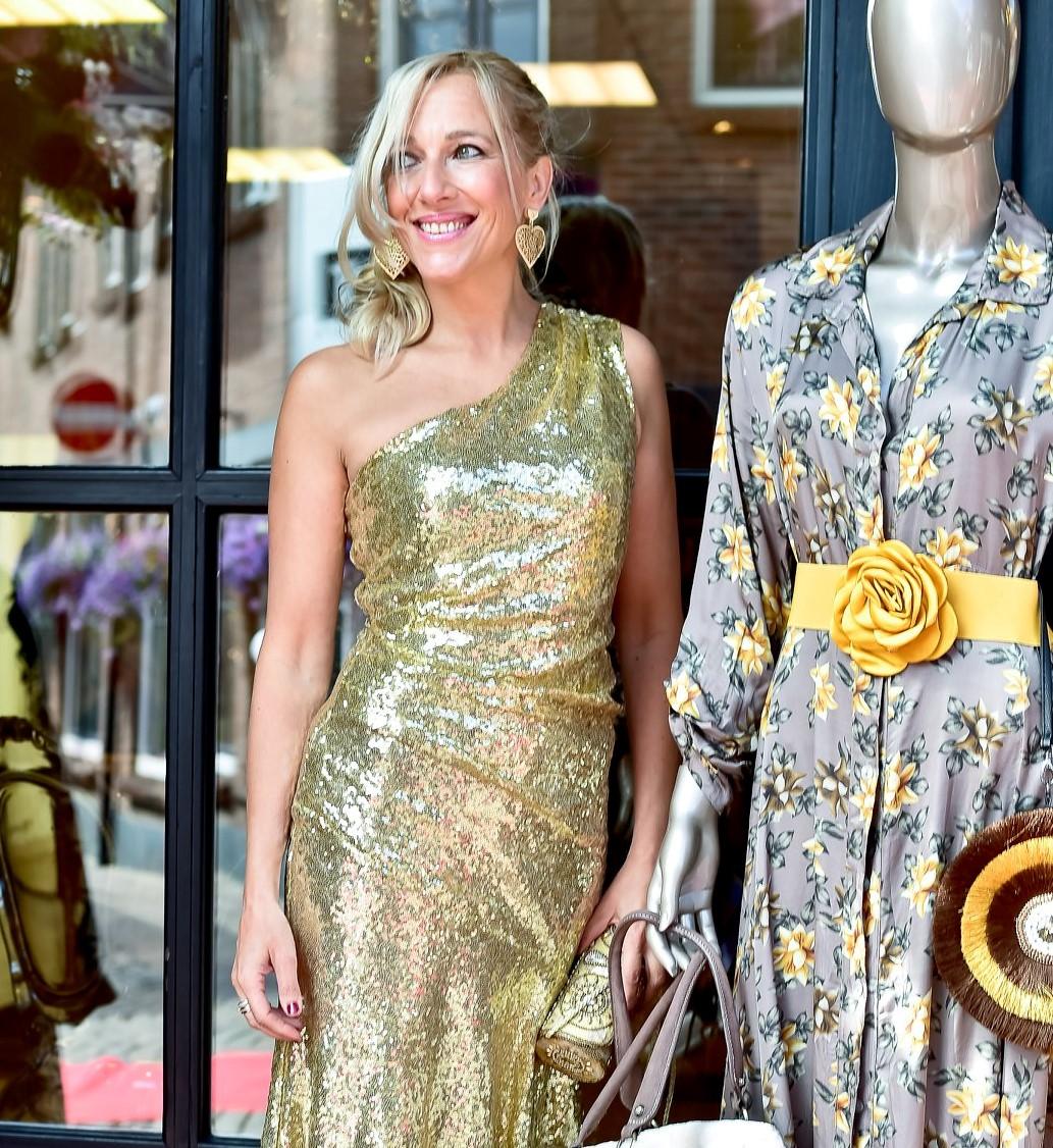 Gouden Cocktailjurk.Gouden Glitter Jurk Boudoirnederland